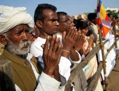 Kaum Dalit beralih keyakinan memeluk Buddhisme. Foto: colombotelegraph.com
