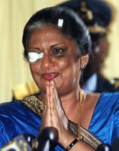 Kumaratunga photographed after the LTTE suide attack