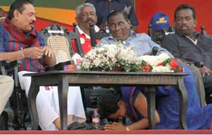 Minister Pavithra Devi Wanniarachchi worshiping the President