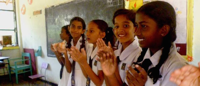 Girandurukotte Central College FB - schools students